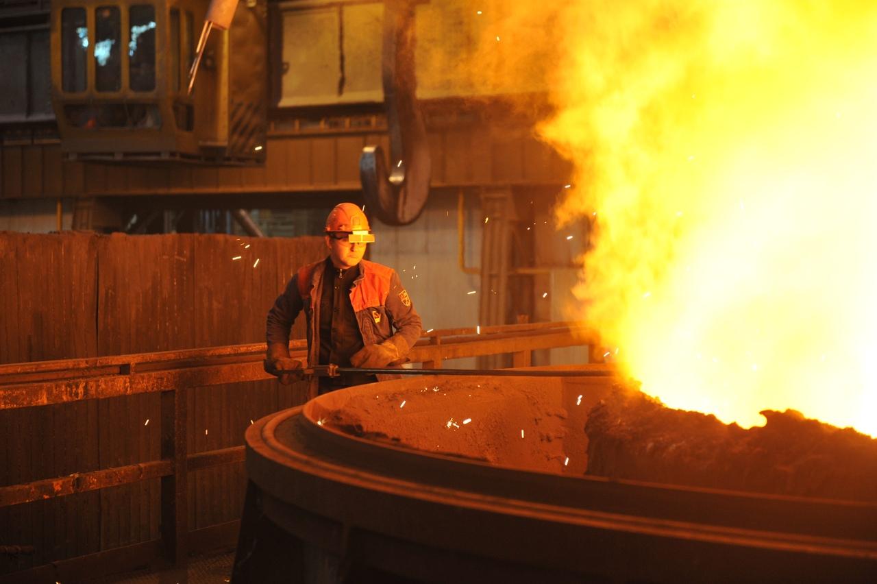 На ТАГМЕТе подручные сталевара соревновались в мастерстве