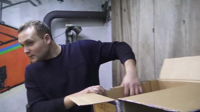 [Миша Яковлев Кировск] Чистка трубы за 3 минуты. Сосед не доволен.