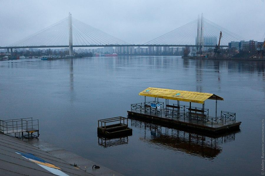 Октябрьская набережная Большой Обуховский мост остановка аквабуса