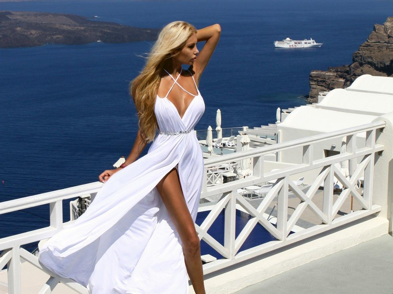 Фото девушек на яхте в платьях