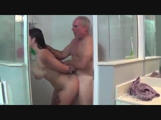 Brazzers секс в душе