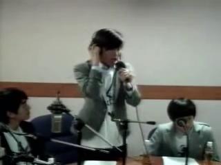 Джонхён поёт Incomplete