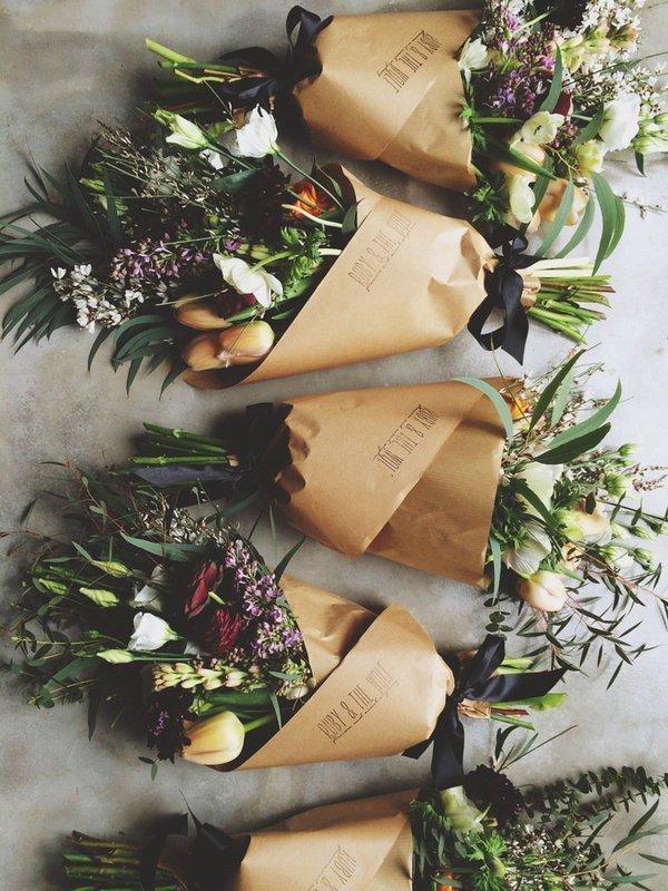 Искусственные розы -