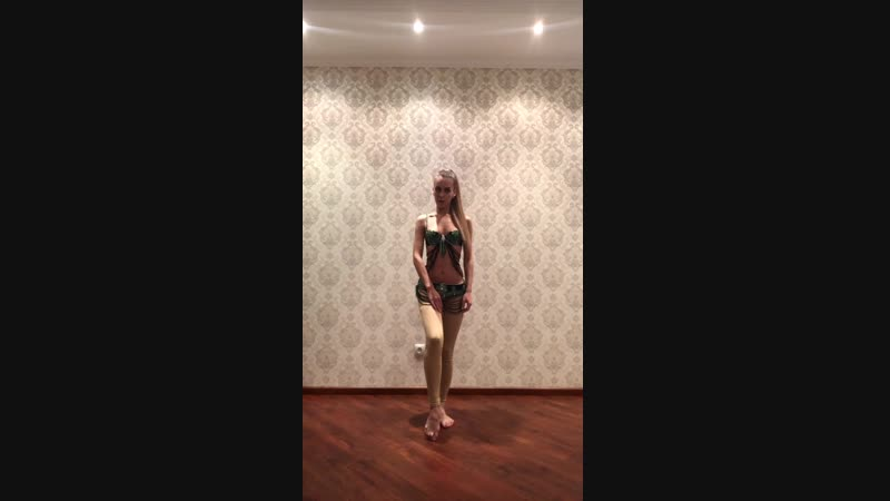 Видеоурок от Ахназ .Малые Восьмерки Бёдрами