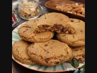 американские печенья с шоколадом и миндалем