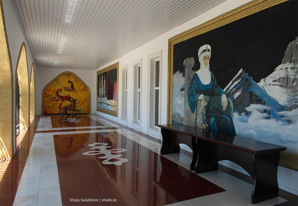 Картина смотрит на тебя, галерея Рух Ордо 2018