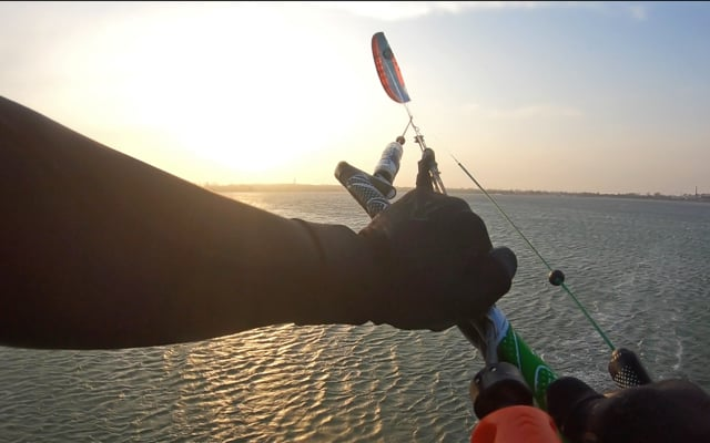 Who said you can't loop a foil kite?