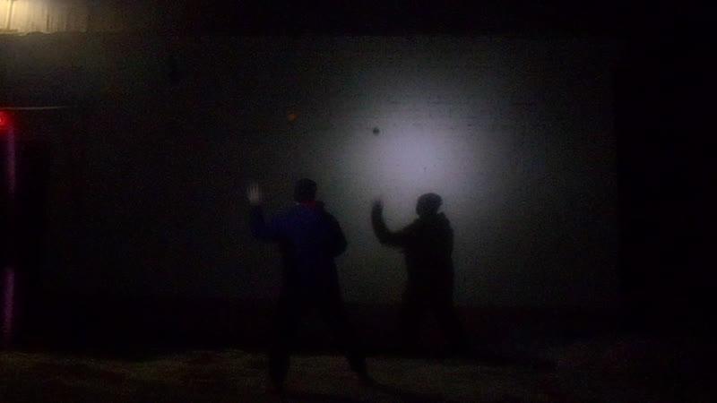 Гера играет в Ball to the Wall 41. 4 тур, 3 матч. Детройт - Литтл Итали 3,5 - 1,5. Пинчер - Гросман 2:2