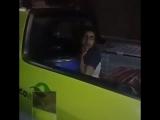 В Бразилии засняли молодежь под действием какой-то синтетической дряни. Первой была обнаружена девушка-зомби, забравшаяся в бага