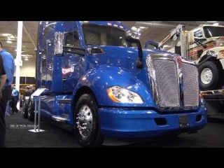 2018 Kenworth T680 Advantage 76inch High Roof - Exterior Interior Walkaround - 2018 Truck World