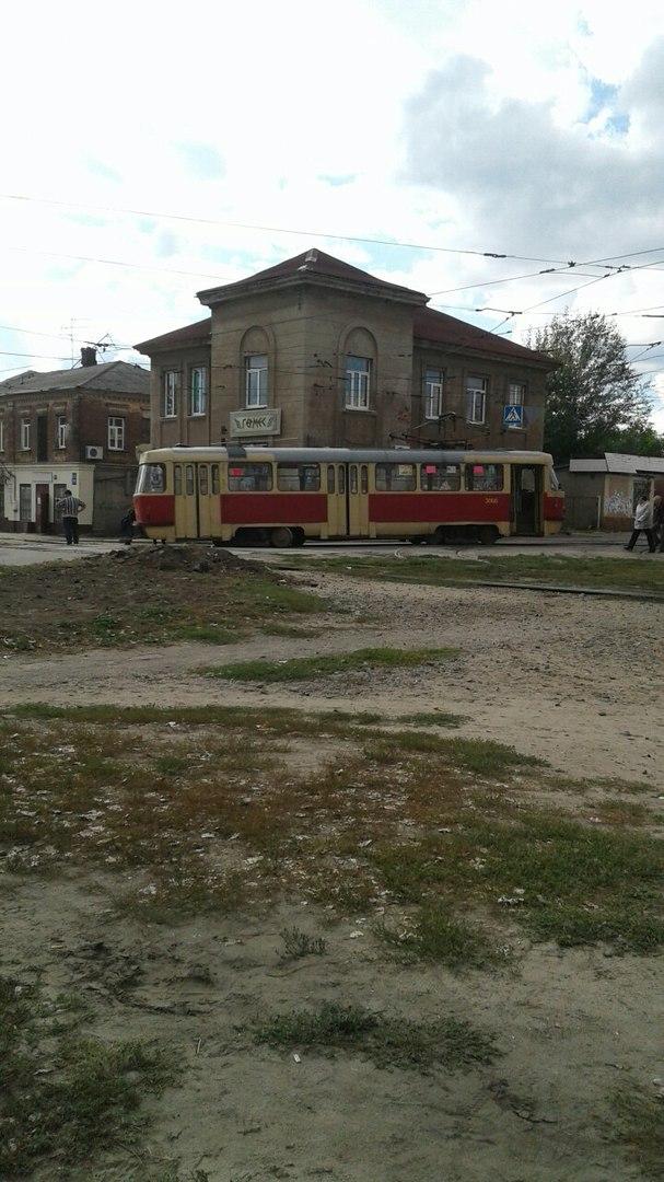 В Харькове трамвай съехал с рельс