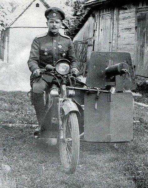 Мотоцикл «Скот» из состава самокатной роты. 1915