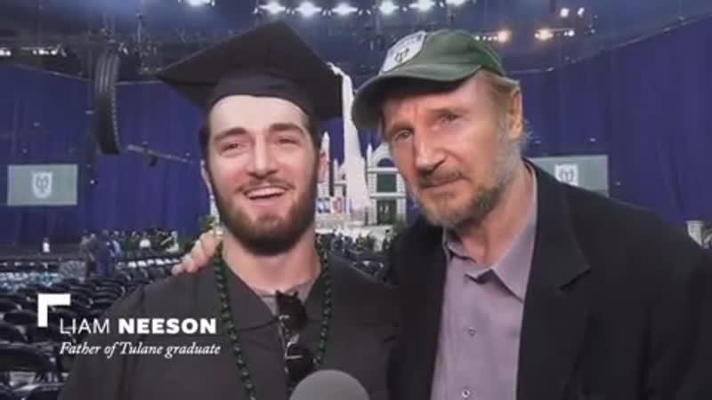 Сын Лиама Нисона Дэниел окончил Университет.