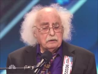 Этим музыкантом был Альберт Эйнштейн
