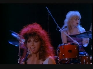 The Bangles - Walking Down Your Street 1986