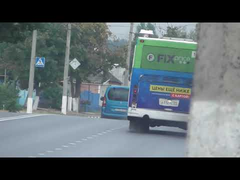 Чадящие пригородные автобусы загрязняют окружающую среду Белгорода.