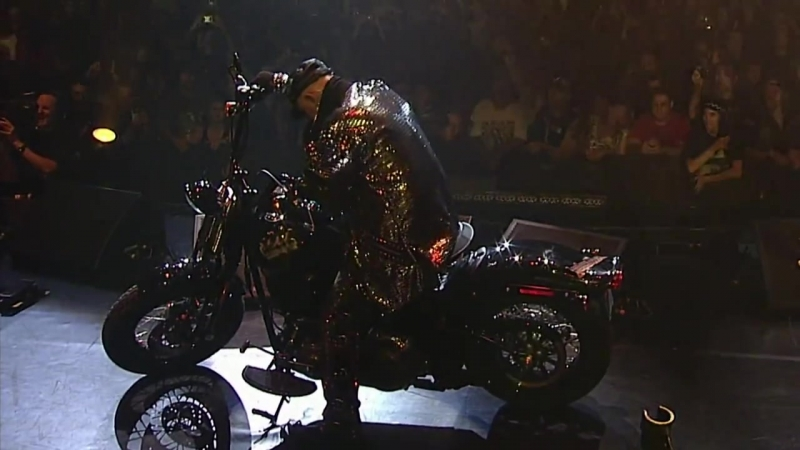 Judas Priest - Freewheel Burning.