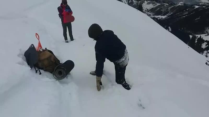 Прыжок в снег 1