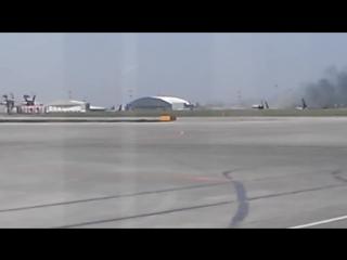 Чп аэропорт киев жуляны рейс 4406 antalya анталия-киев kiev ur-cpr - самолет bravo airways