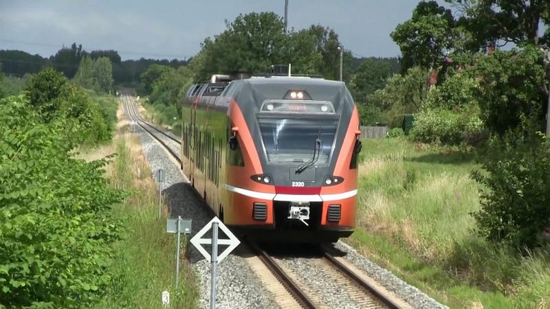 Штадлерский дизель поезд 2320 на ст. Вильянди Stadler DMU 2320 at Viljandi station