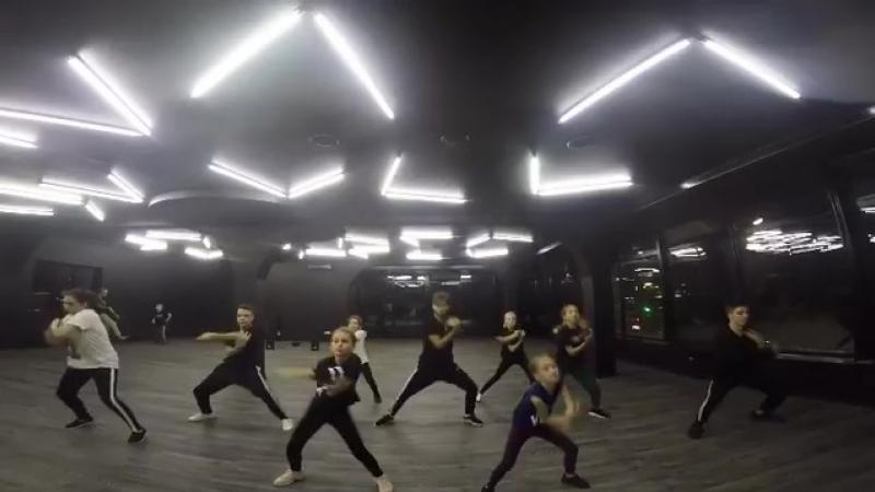 Anton Lubov(AL) electro dance