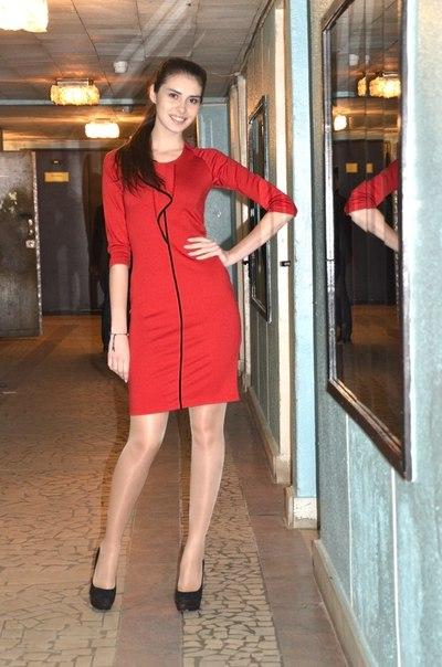 Теплое трикотажное платье в магазинах Кирова и Слободского