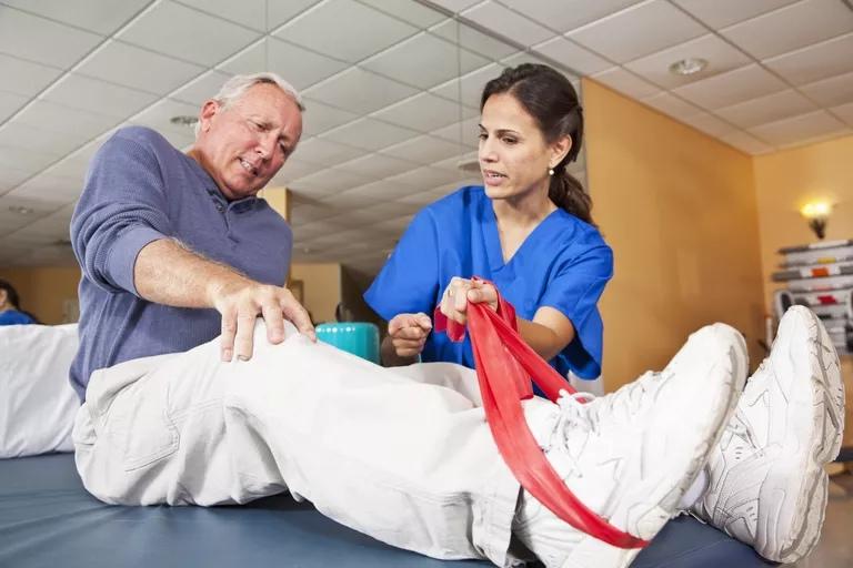 Боль после операции на коленном суставе