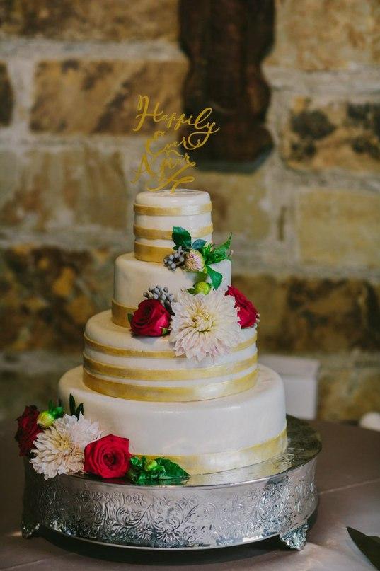 7CjPECtJQhk - Золотые и серебряные свадебные торты 2016 (70 фото)
