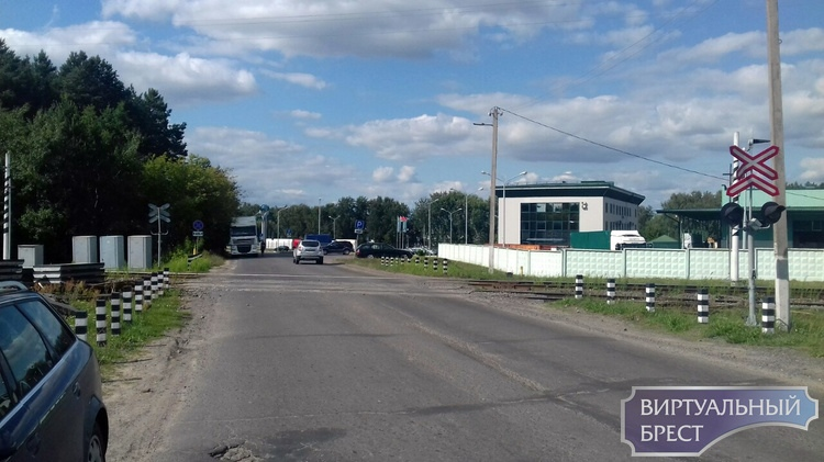На два дня закрыт переезд по ул. л-та  Рябцева / ул.Красногвардейская  (камазовский)
