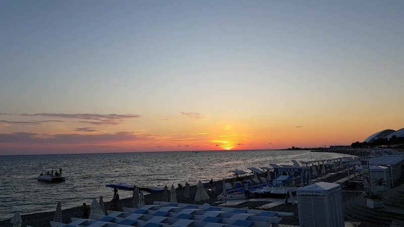 Потрясающий закат в Сочи. Version 2
