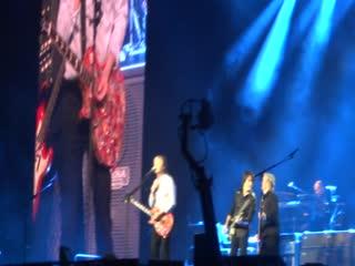 Paul McCartney - Let Me Roll It/ Foxey Lady (Jimi Hendrix) - Paris La Defense Arena, 28/11/2018