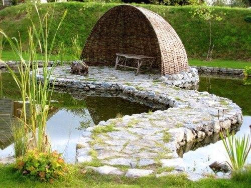 Укромное местечко в саду