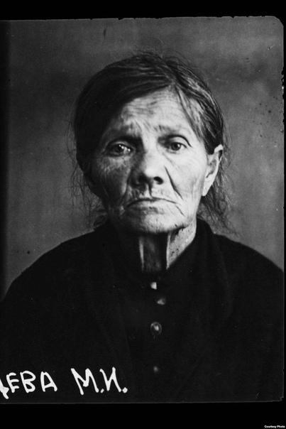 Портреты жертв сталинских чисток.