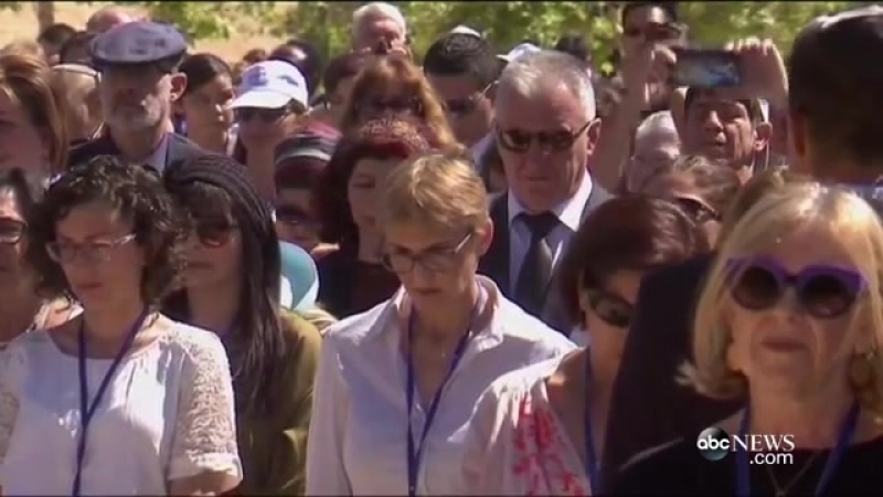Israel Pauses on Holocaust Memorial Day - YouTube (360p)