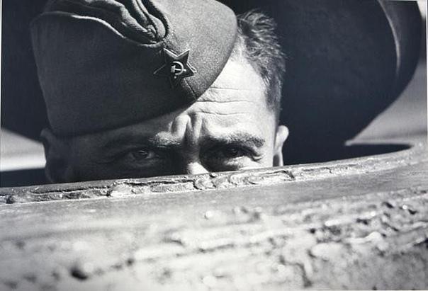 Hемецкий солдат, который воевал под Сталинградом, попал в плен, а в 1953-м, здор...
