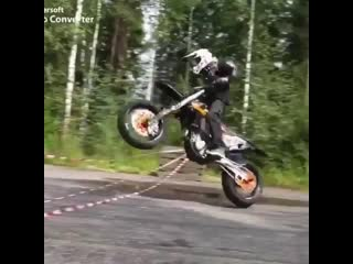 Крутейший трюк на мотоцикле