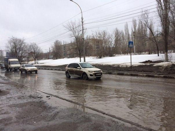 Всё та же улица Антонова. Водители будьте осторожны, пешеходы вообще н