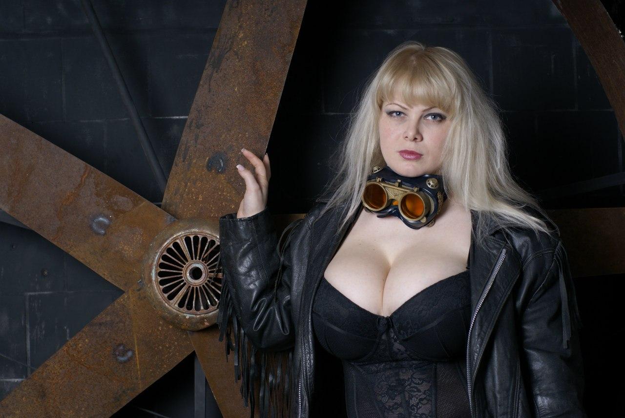 alena-shaytarova-foto-golaya