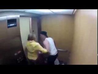 Смешные видео. Приколы. Привидение в лифте! Только для смелых!!!