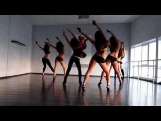 Стрип пластика  девчата секси  Танец Супер. Танцы группой.