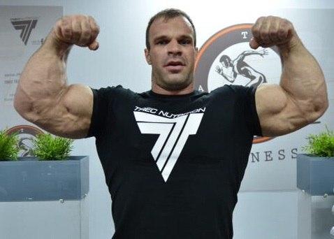 Profile photo updated on vk by Denis Cyplenkov on 25 September 2014 │ Photo Source: Denis Tsyplenkov