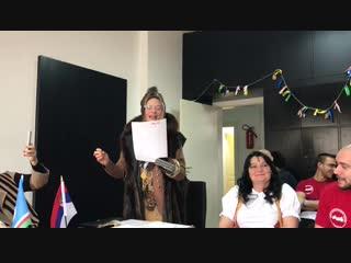 Сербская певица Симонида поёт якутскую песню