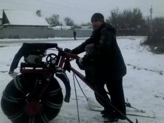 По снегу на одном колесе и небольшие гонки