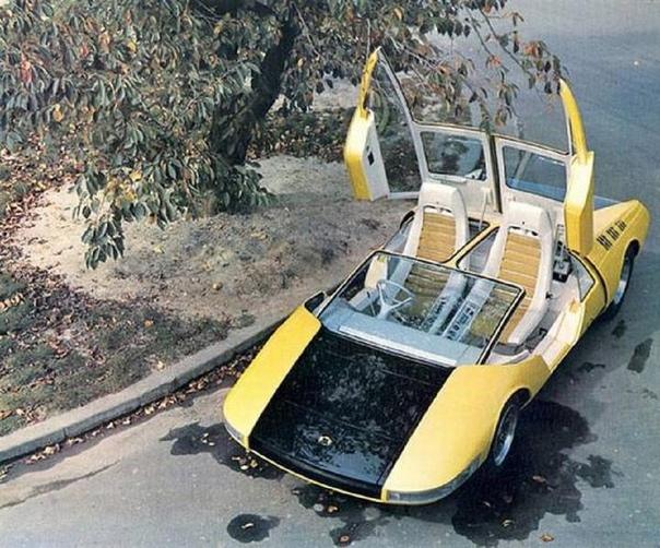Экспериментальный спортивный автомобиль Toyota EX7. Япония. 1970г. Спортивный автомобиль Toyota ЕХ7 был создан на базе гоночного автомобиля Toyota 7. Как и базовая модель, ЕХ7, был оснащён