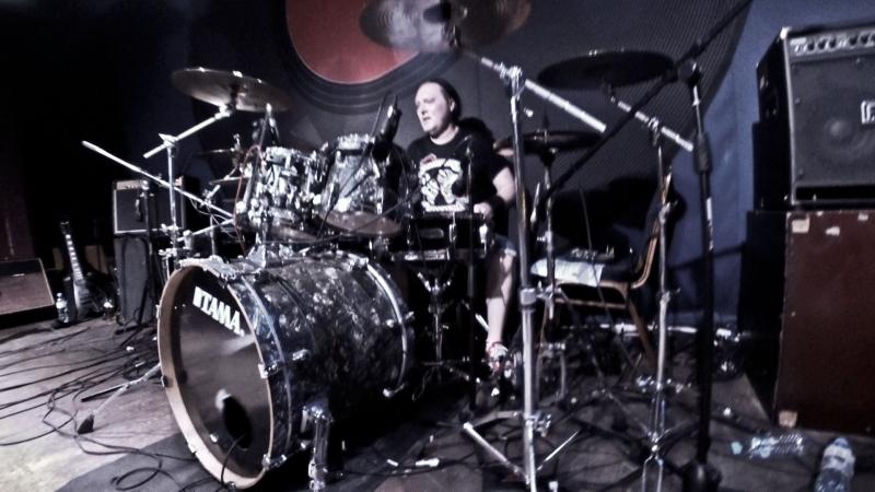Алексей Портнов и Nicolas Crowen соло на барабанах и бас-гитаре