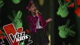 Valentina canta