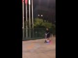 Instagram: Гуф едет на самокате под Тупака