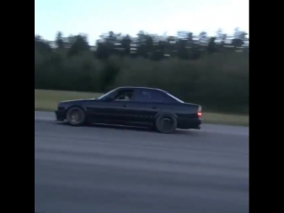 Bugatti Veyron vs BMW M5 1000л.с.+