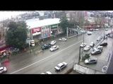 Утреннее ДТП в Сочи. Улица Донская. Невнимательный водитель протаранил два автомобиля. 22,12,17