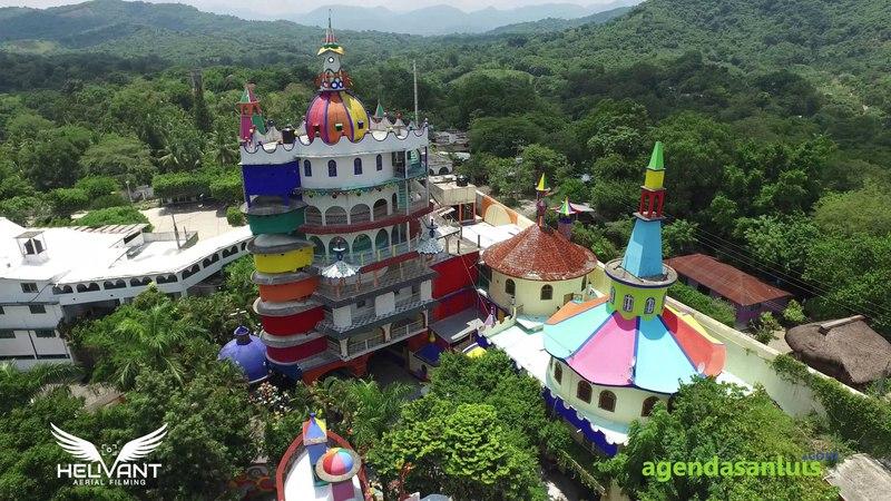 Mexico- Axtla - El Castillo de la Salud de Beto Ramón